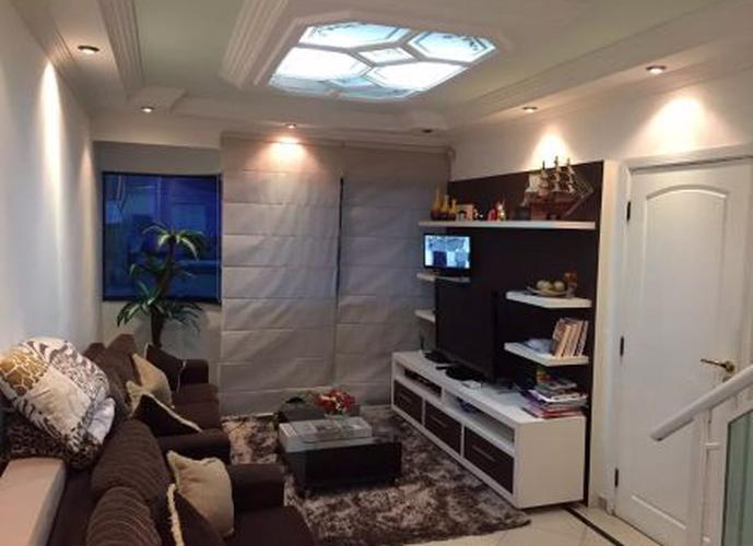 Sobrado à venda, 180 m², 3 quartos, 4 banheiros