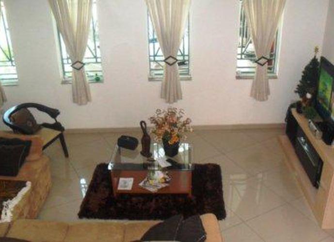 Sobrado à venda, 170 m², 3 quartos, 3 banheiros, 1 suíte