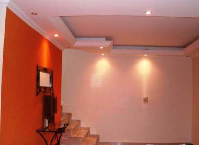Sobrado à venda, 300 m², 4 quartos, 2 banheiros, 1 suíte
