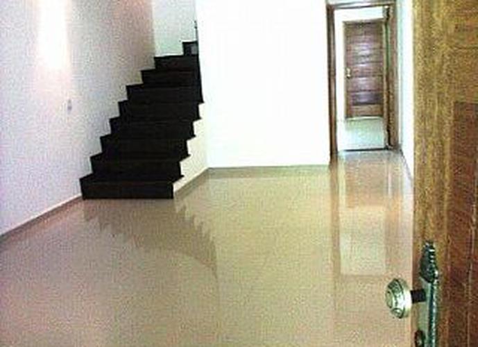 Sobrado à venda, 105 m², 3 quartos, 1 banheiro, 1 suíte