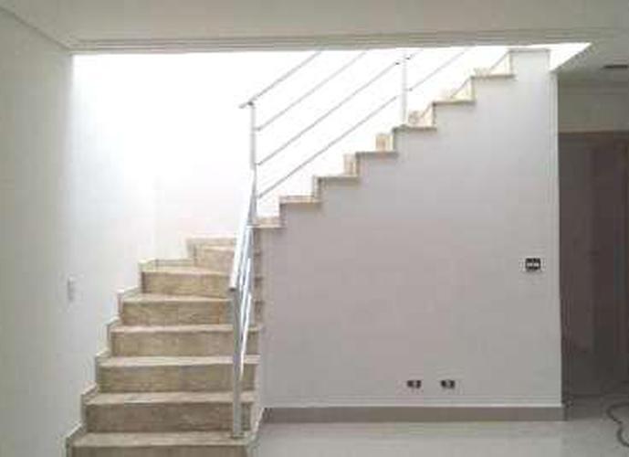 Sobrado à venda, 160 m², 3 quartos, 1 banheiro, 1 suíte