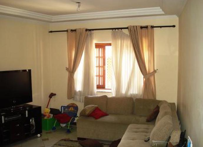 Sobrado à venda, 205 m², 3 quartos, 1 banheiro, 1 suíte