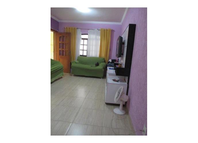 Sobrado à venda, 180 m², 3 quartos, 2 banheiros, 1 suíte