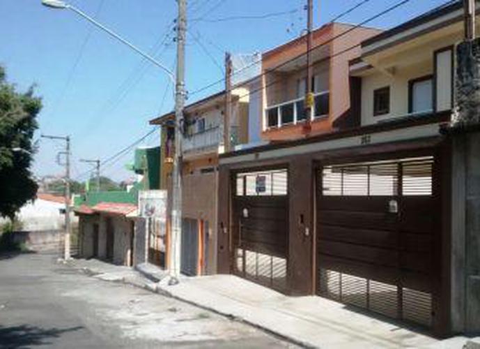 Sobrado à venda, 125 m², 3 quartos, 1 banheiro, 3 suítes