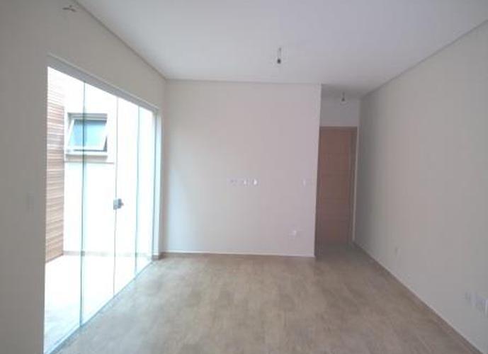 Sobrado à venda, 250 m², 3 quartos, 1 banheiro, 3 suítes