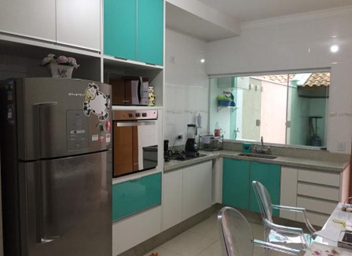 Sobrado à venda, 125 m², 3 quartos, 2 banheiros, 1 suíte