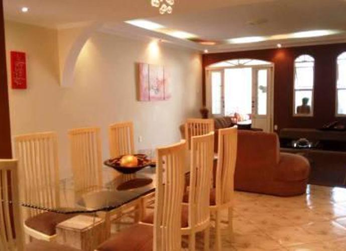 Sobrado à venda, 280 m², 3 quartos, 3 banheiros