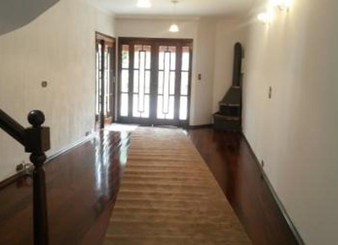 Sobrado à venda, 250 m², 4 quartos, 1 banheiro, 1 suíte