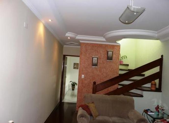 Sobrado à venda, 150 m², 3 quartos, 3 banheiros, 1 suíte