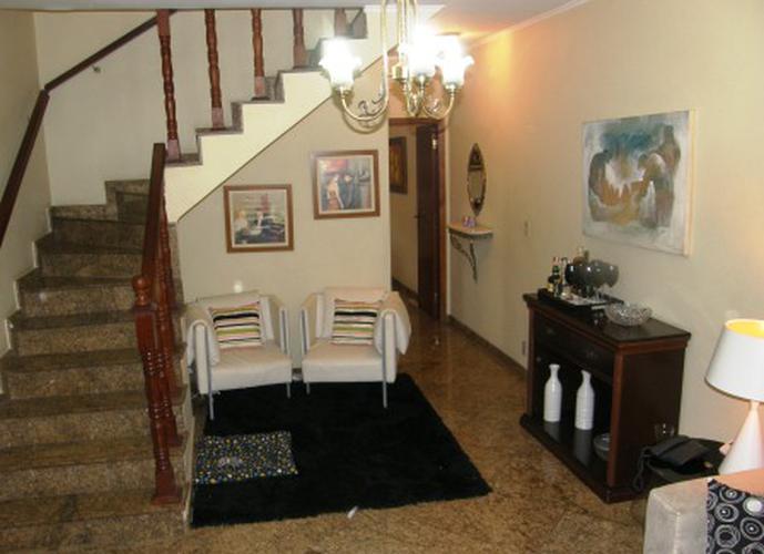 Sobrado à venda, 150 m², 3 quartos, 2 banheiros, 1 suíte
