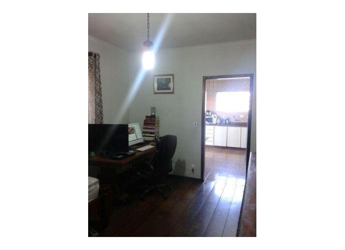 Sobrado à venda, 230 m², 3 quartos, 1 banheiro, 1 suíte