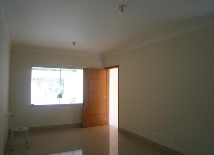 Sobrado à venda, 125 m², 3 quartos, 1 banheiro
