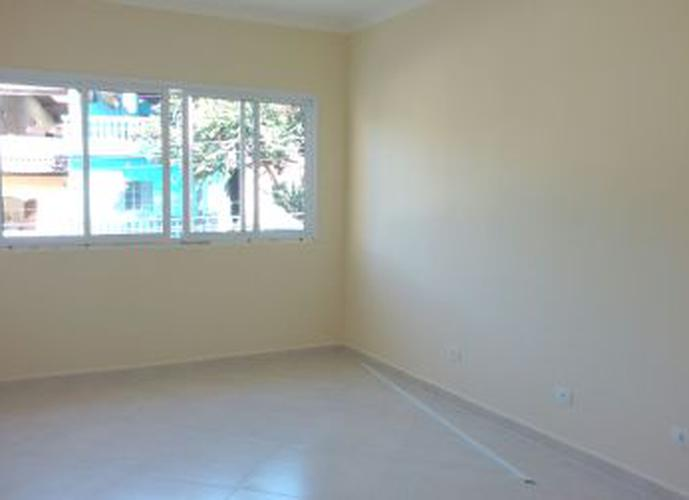 Sobrado à venda, 125 m², 3 quartos, 1 banheiro, 1 suíte