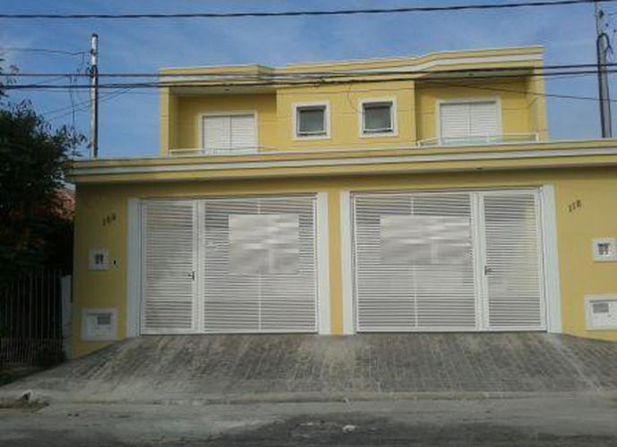 Sobrado à venda, 190 m², 3 quartos, 2 banheiros, 3 suítes