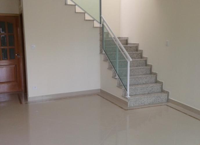 Sobrado à venda, 190 m², 3 quartos, 1 banheiro, 1 suíte