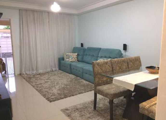Sobrado à venda, 140 m², 3 quartos, 2 banheiros, 3 suítes