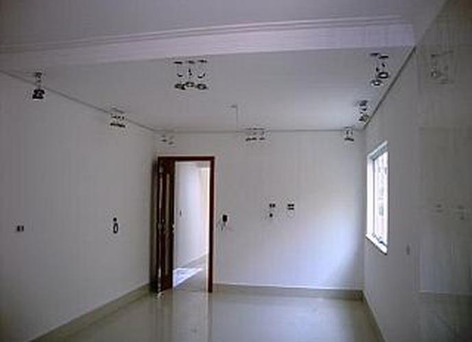 Sobrado à venda, 126 m², 3 quartos, 1 banheiro, 1 suíte