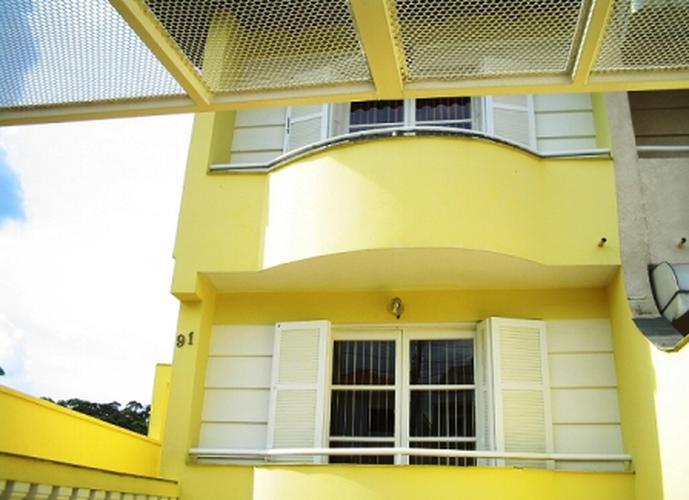 Sobrado à venda, 179 m², 3 quartos, 1 banheiro, 3 suítes