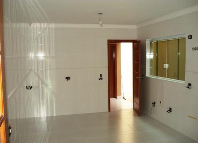 Sobrado à venda, 125 m², 3 quartos, 2 banheiros, 3 suítes