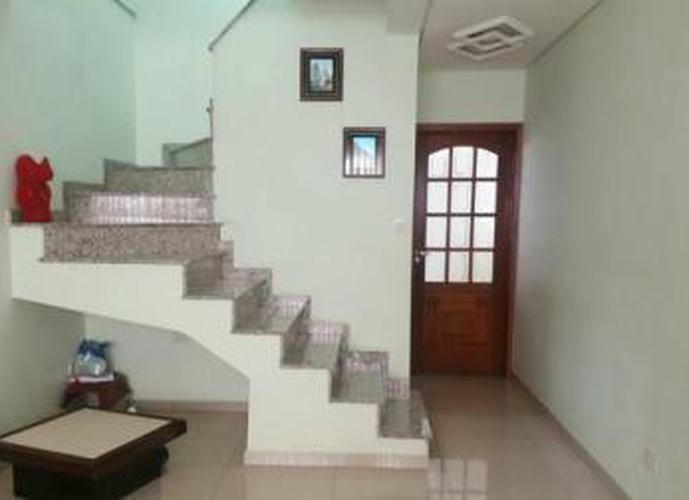 Sobrado à venda, 145 m², 3 quartos, 1 banheiro, 3 suítes