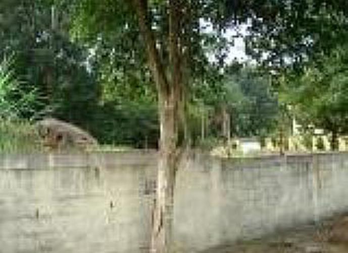 Terreno à venda, 648 m²