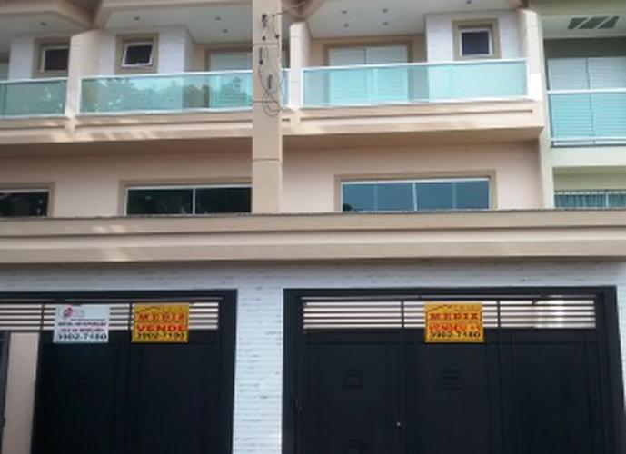 Sobrado à venda, 220 m², 3 quartos, 1 banheiro, 3 suítes