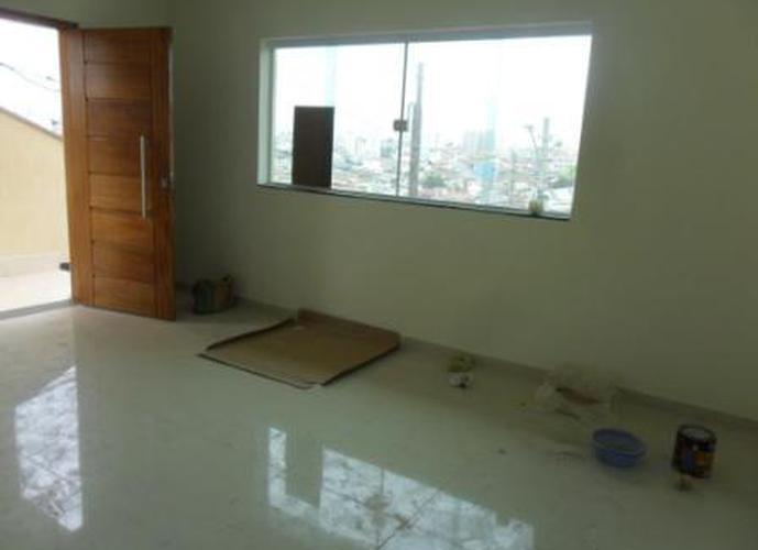 Sobrado à venda, 210 m², 3 quartos, 1 banheiro, 3 suítes
