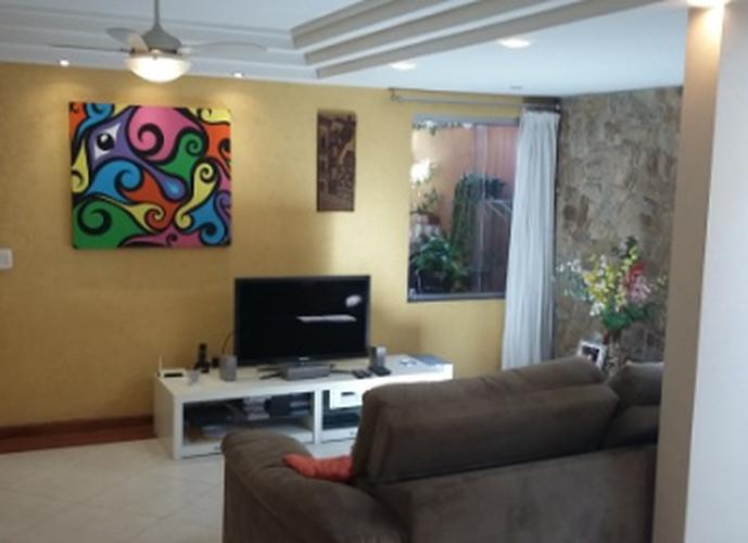Sobrado à venda, 176 m², 3 quartos, 1 banheiro, 1 suíte