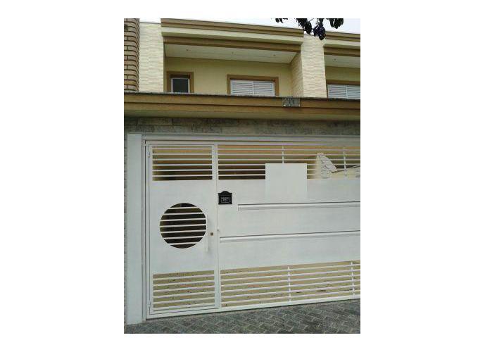 Sobrado à venda, 112 m², 3 quartos, 1 banheiro, 3 suítes