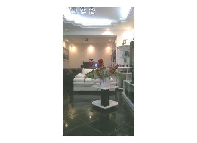 Sobrado à venda, 166 m², 4 quartos, 2 banheiros, 2 suítes