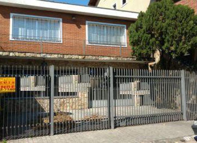 Sobrado à venda, 320 m², 3 quartos, 2 banheiros