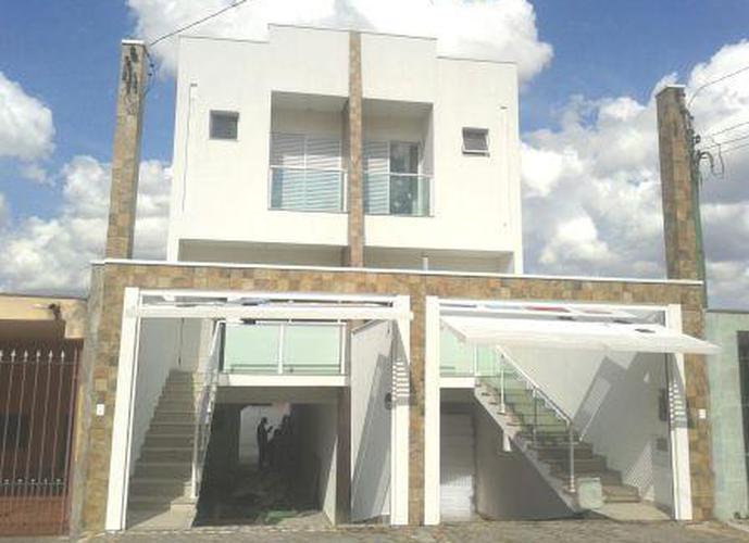 Sobrado à venda, 200 m², 3 quartos, 1 banheiro, 3 suítes