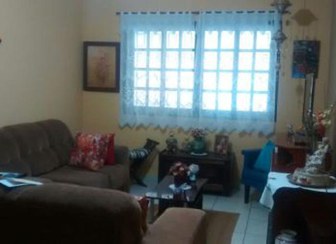 Sobrado à venda, 123 m², 3 quartos, 2 banheiros, 1 suíte