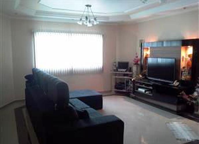 Sobrado à venda, 171 m², 4 quartos, 1 banheiro, 4 suítes