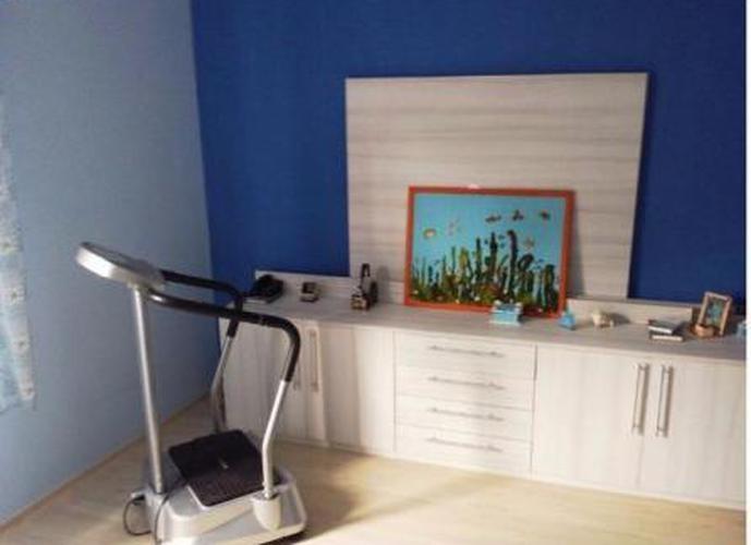 Sobrado à venda, 170 m², 3 quartos, 2 banheiros, 1 suíte