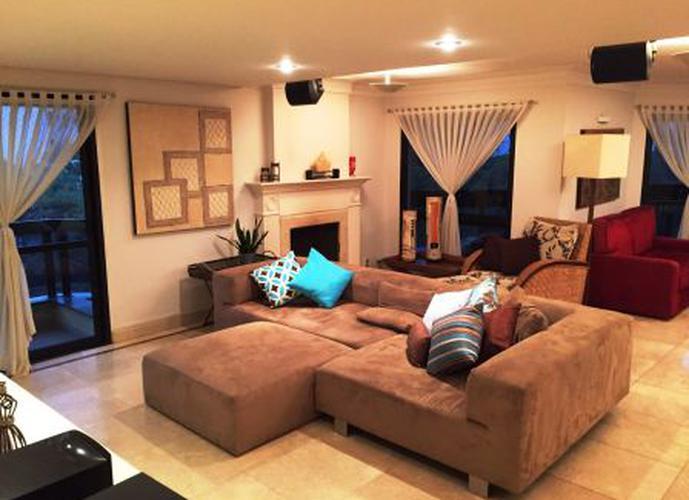Apartamento à venda, 210 m², 3 quartos, 5 banheiros, 3 suítes