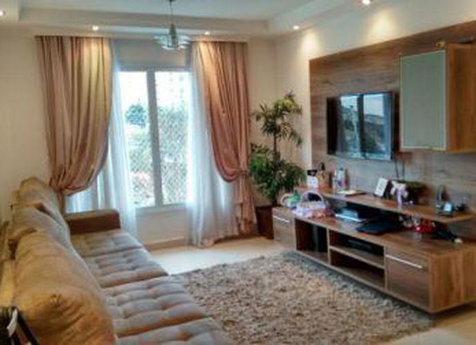 Sobrado à venda, 210 m², 4 quartos, 1 banheiro, 2 suítes