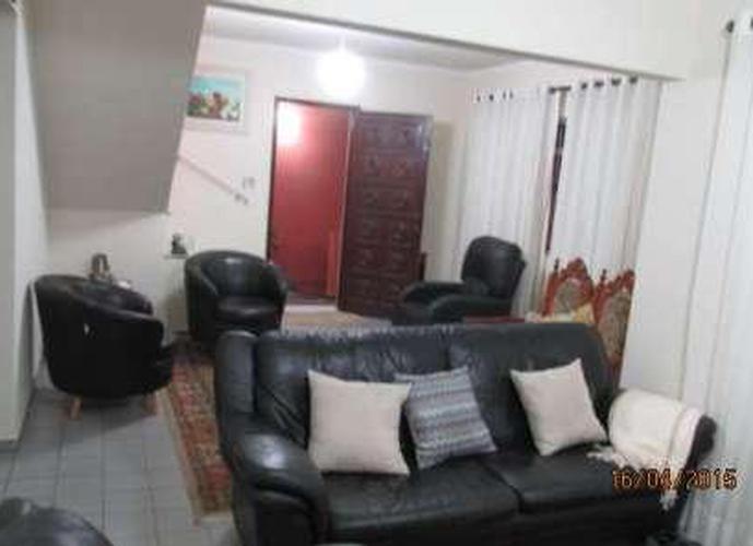 Sobrado à venda, 270 m², 3 quartos, 2 banheiros, 1 suíte
