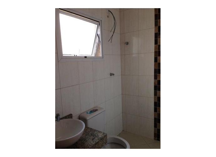 Sobrado à venda, 240 m², 3 quartos, 1 banheiro, 3 suítes
