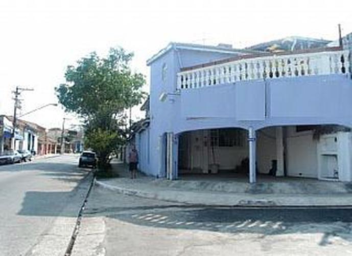 Imóvel Comercial à venda, 210 m², 3 quartos, 2 banheiros