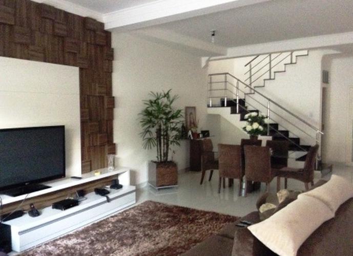 Sobrado à venda, 190 m², 4 quartos, 1 banheiro, 2 suítes