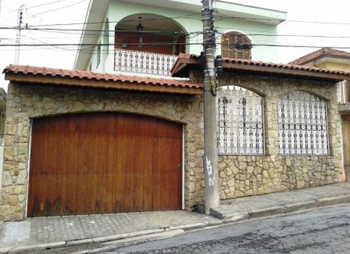 Sobrado à venda, 300 m², 3 quartos, 2 banheiros