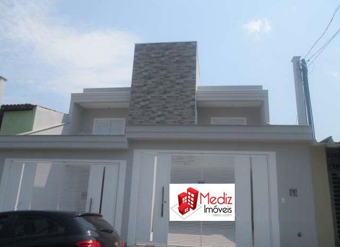 Sobrado à venda, 202 m², 3 quartos, 2 banheiros, 3 suítes