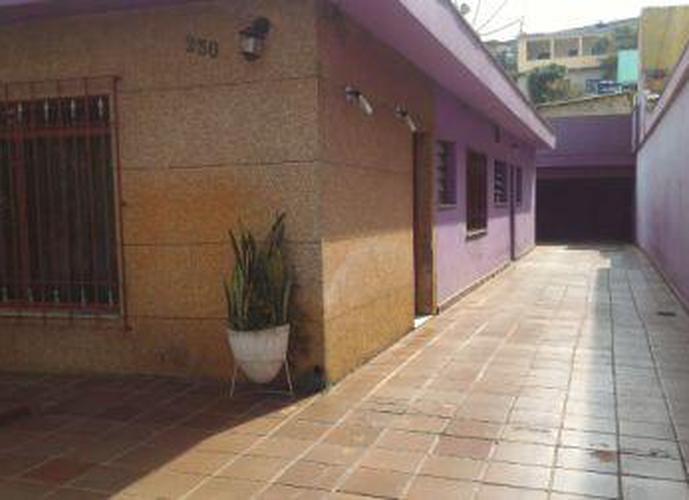 Sobrado à venda, 400 m², 3 quartos, 2 banheiros