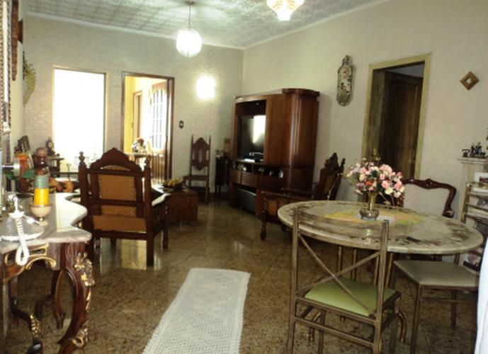 Sobrado à venda, 200 m², 3 quartos, 2 banheiros