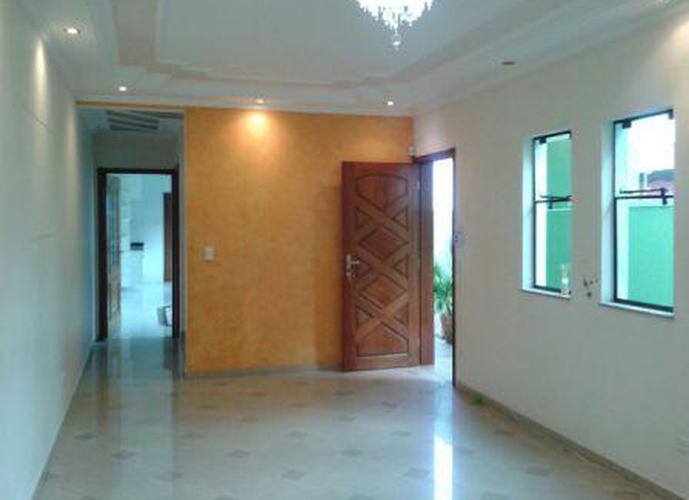 Sobrado à venda, 180 m², 4 quartos, 2 banheiros, 2 suítes