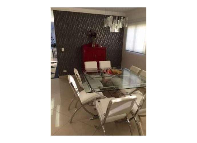 Sobrado à venda, 235 m², 3 quartos, 1 banheiro, 1 suíte