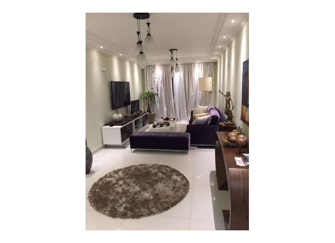 Sobrado à venda, 170 m², 3 quartos, 1 banheiro, 3 suítes