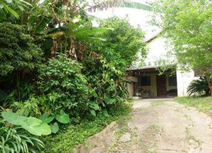 Terreno à venda, 900 m²