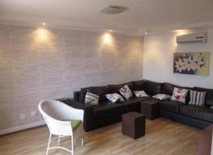 Sobrado à venda, 450 m², 4 quartos, 3 banheiros, 4 suítes